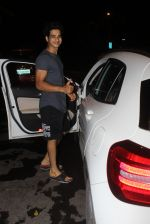 Ishaan Khattar spotted at Myrah spa in juhu on 18th June 2019 (6)_5d09d7e43d969.JPG