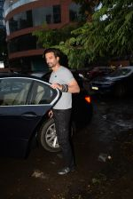 Rahul Bhatt spotted at kromakay juhu on 18th June 2019 (2)_5d09d83f6ef94.JPG