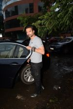 Rahul Bhatt spotted at kromakay juhu on 18th June 2019 (3)_5d09d841c634c.JPG