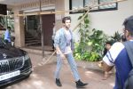 Kartik Aaryan spotted at Andheri on 19th June 2019 (8)_5d0b2f9a90fd8.JPG