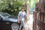 Kartik Aaryan spotted at Andheri on 19th June 2019 (9)_5d0b2f9cb67b4.JPG