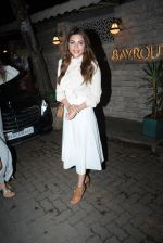 Shama Sikander spotted at Bayroute in juhu on 19th June 2019 (23)_5d0b2fd429c6d.JPG