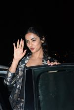 Sonal Chauhan spotted at Bayroute in juhu on 19th June 2019 (1)_5d0b2fc6c5a12.JPG