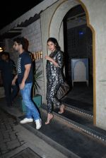 Sonal Chauhan spotted at Bayroute in juhu on 19th June 2019 (2)_5d0b2fca66f00.JPG