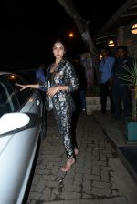 Sonal Chauhan spotted at Bayroute in juhu on 19th June 2019 (5)_5d0b2fd1aa31f.JPG