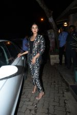 Sonal Chauhan spotted at Bayroute in juhu on 19th June 2019 (6)_5d0b2fd5b8fbc.JPG