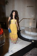 Janhvi Kapoor spotted at Manish Malhotra_s house in bandra on 21st June 2019 (22)_5d0de69fe2a0d.JPG