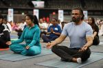 Sunil Shetty at world yoga day in NSCI worli on 21st June 2019 (20)_5d0de7b02c2cd.jpg