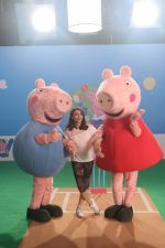 Soha Ali Khan shooting fun cricket videos with kids� favourite, Peppa Pig and George on 22nd June 2019 (1)_5d0f30df778c4.JPG