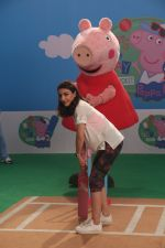 Soha Ali Khan shooting fun cricket videos with kids� favourite, Peppa Pig and George on 22nd June 2019 (6)_5d0f30f011a20.JPG