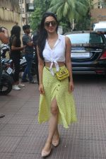 Kiara Advani meet the audiences during the screening of Kabir Singh in andheri on 23rd June 2019 (4)_5d1073be9c673.JPG
