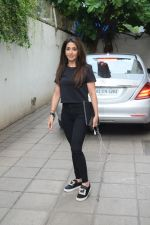 Krishika Lulla spotted juhu on 26th June 2019 (4)_5d15bb9fb0e98.JPG