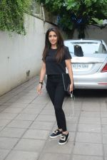 Krishika Lulla spotted juhu on 26th June 2019 (5)_5d15bba214c3f.JPG