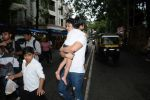 Tusshar Kapoor & son Lakshya spotted at Shani Mandir juhu on 30th June 2019 (6)_5d19b97f989db.JPG