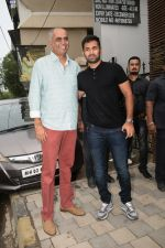 at Yuvraj Singh_s retirement party in Estella juhu on 30th June 2019 (31)_5d19b9ec03554.JPG