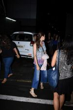 Dia Mirza spotted at Bandra on 1st July 2019 (10)_5d1b70f26aec0.JPG