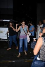 Dia Mirza spotted at Bandra on 1st July 2019 (7)_5d1b70ee321e7.JPG