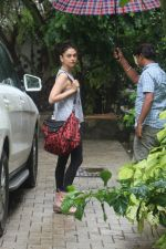 Aditi Rao Hydari spotted at bandra on 2nd July 2019 (11)_5d1c501090254.JPG