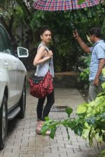 Aditi Rao Hydari spotted at bandra on 2nd July 2019 (12)_5d1c50126b151.JPG