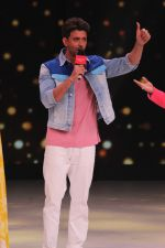 Hrithik Roshan on the sets of colors Dance Deewane in filmcity on 2nd July 2019 (14)_5d1c503f12d5f.jpg