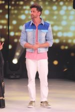 Hrithik Roshan on the sets of colors Dance Deewane in filmcity on 2nd July 2019 (55)_5d1c5044d989a.jpg