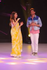Hrithik Roshan, Madhuri Dixit on the sets of colors Dance Deewane in filmcity on 2nd July 2019 (55)_5d1c505b53e69.jpg