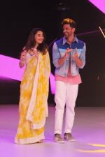 Hrithik Roshan, Madhuri Dixit on the sets of colors Dance Deewane in filmcity on 2nd July 2019 (57)_5d1c505cd29b8.jpg