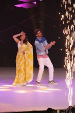 Hrithik Roshan, Madhuri Dixit on the sets of colors Dance Deewane in filmcity on 2nd July 2019 (59)_5d1c505e62267.jpg