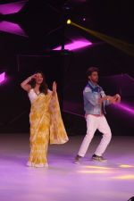 Hrithik Roshan, Madhuri Dixit on the sets of colors Dance Deewane in filmcity on 2nd July 2019 (64)_5d1c50a95c82c.jpg