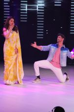 Hrithik Roshan, Madhuri Dixit on the sets of colors Dance Deewane in filmcity on 2nd July 2019 (70)_5d1c50ad71d2f.jpg