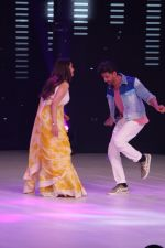 Hrithik Roshan, Madhuri Dixit on the sets of colors Dance Deewane in filmcity on 2nd July 2019 (71)_5d1c5066d0b49.jpg