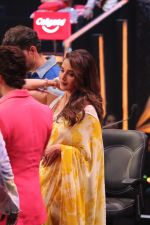 Madhuri Dixit on the sets of colors Dance Deewane in filmcity on 2nd July 2019 (82)_5d1c50b9b49ec.jpg