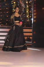 Mrunal Thakur on the sets of colors Dance Deewane in filmcity on 2nd July 2019 (65)_5d1c50c11e672.jpg