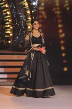 Mrunal Thakur on the sets of colors Dance Deewane in filmcity on 2nd July 2019 (68)_5d1c50c568f22.jpg