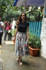 Dia Mirza spotted at Bandra on 3rd July 2019 (3)_5d1da5fa55436.jpg