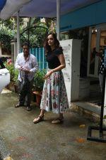 Dia Mirza spotted at Bandra on 3rd July 2019 (6)_5d1da60106147.jpg