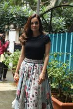 Dia Mirza spotted at Bandra on 3rd July 2019 (8)_5d1da607c68fc.jpg