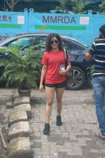 Sanya Malhotra spotted at andheri on 3rd July 2019 (5)_5d1da72c1ad83.JPG