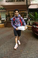 Ishaan Khattar spotted at Bandra on 4th July 2019 (7)_5d1ef025092f1.jpg