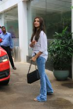 Tara Sutaria spotted at sunny sound juhu on 4th July 2019 (5)_5d1ef06eb39e1.JPG