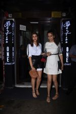 Parineeti Chopra spotted at Bastian in bandra on 6th July 2019 (13)_5d21ad7818860.JPG