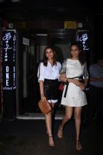 Parineeti Chopra spotted at Bastian in bandra on 6th July 2019 (17)_5d21ad7fd43d7.JPG