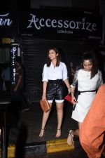 Parineeti Chopra spotted at Bastian in bandra on 6th July 2019 (21)_5d21ad8cc9ede.JPG