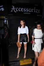 Parineeti Chopra spotted at Bastian in bandra on 6th July 2019 (22)_5d21ad8ea4a09.JPG