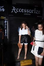 Parineeti Chopra spotted at Bastian in bandra on 6th July 2019 (23)_5d21ad9076af5.JPG