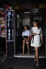 Parineeti Chopra spotted at Bastian in bandra on 6th July 2019 (4)_5d21ad66ca964.JPG