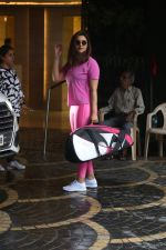 Parineeti Chopra spotted at khar gymkhana on 6th July 2019 (15)_5d21add1617d2.jpg
