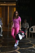 Parineeti Chopra spotted at khar gymkhana on 6th July 2019 (25)_5d21adef81673.jpg
