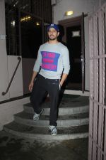 Sidharth Malhotra spotted at dubbing studio in bandra on 6th July 2019 (1)_5d21ae070a4f1.jpg