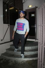 Sidharth Malhotra spotted at dubbing studio in bandra on 6th July 2019 (8)_5d21ae167b7c4.jpg